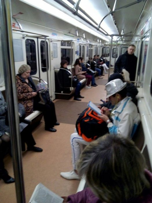 Baffling Sights You Can Only See On The Russian Metro (33 pics)