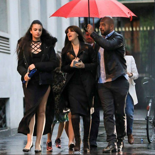 Monica Belluci Spotted Walking With Her Daughters (2 pics)