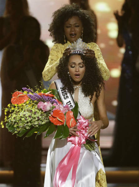 Miss USA 2017 Isn't Just Gorgeous, She's Also A Nuclear Scientist (16 pics)