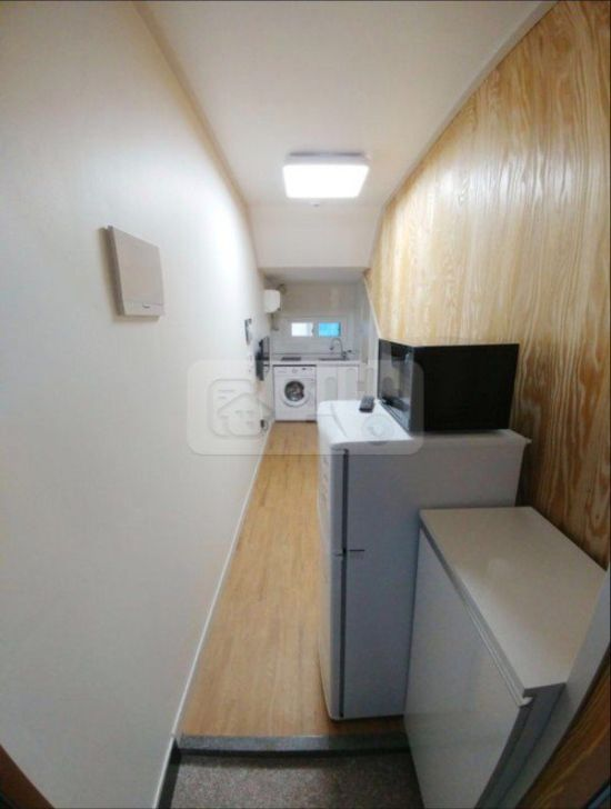 What A $200 A Month Apartment Looks Like In Seoul (2 pics)