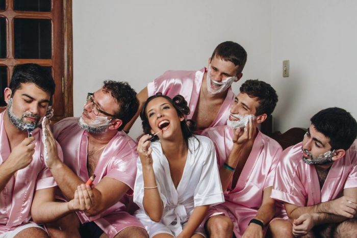 Computer Engineer Bride Invites Her Bros Because She Doesn't Have Any Girlfriends (10 pics)