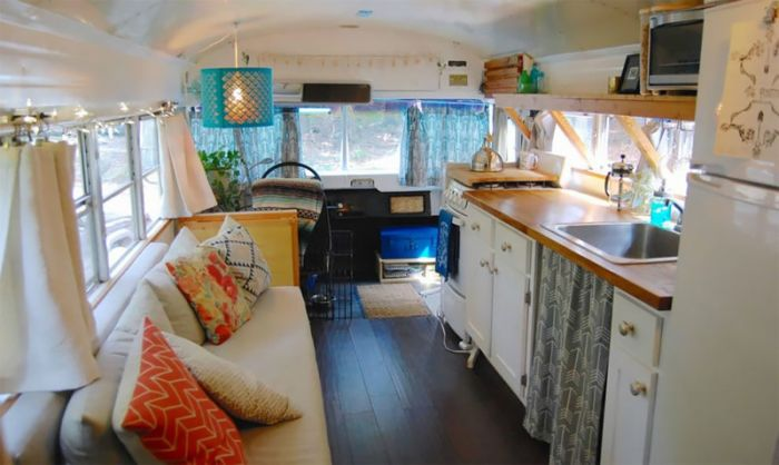 Georgia Couple Turn Old Blue Bird School Bus Into Home On Wheels (14 pics)