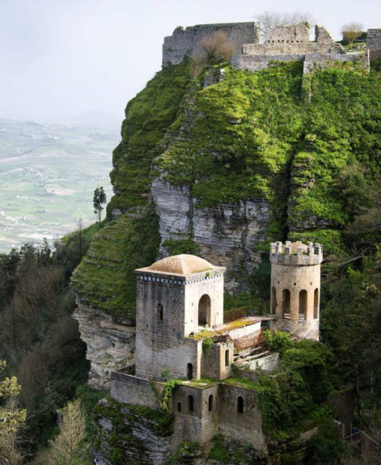 You Can Now Own A Castle In Italy For Free (9 pics)