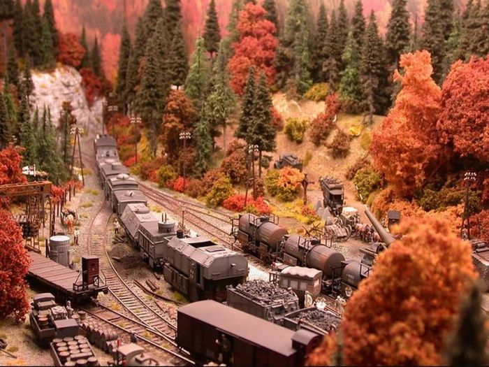 Impressive Diorama Of German Railway Station (46 pics)