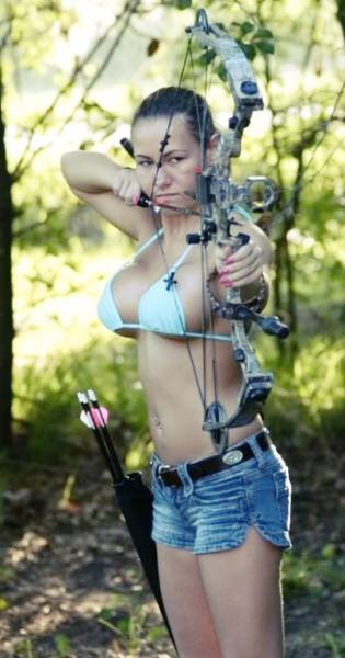These Sexy Archery Girls Will Pierce Your Heart 40 Pics