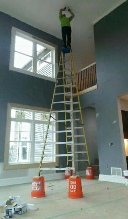 Electricians Work In Some Weird Situations (18 pics)