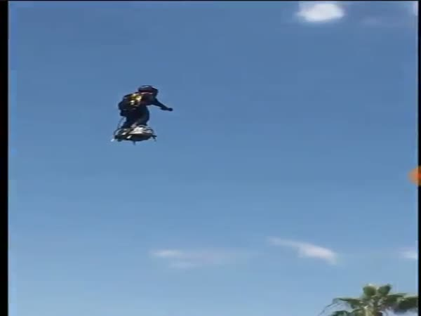 Awesome Video Of An Air Board Flying Around Lake Havasu
