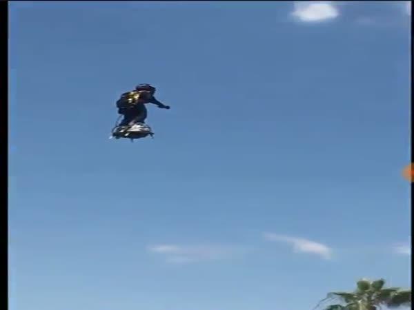 Awesome Video Of An Air Board Flying Around Lake Havasu