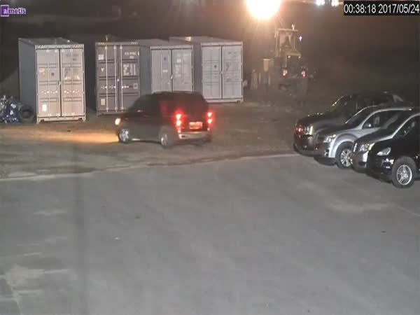 Thieves Caught Stealing Truck Tires From A Dealership After Dark
