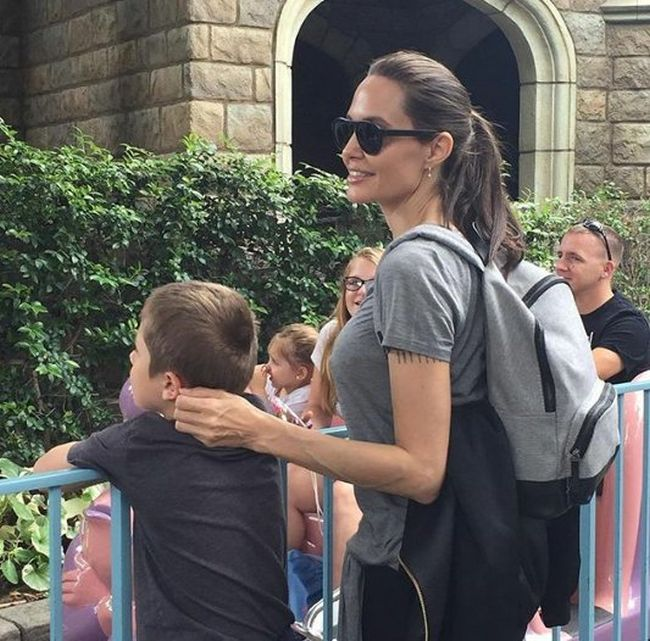 Angelina Jolie Takes The Family To Disneyland (3 pics)