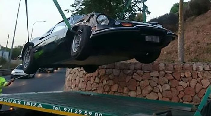Woman On Drugs Tries To Escape Ibiza After Crashing A Ferrari (3 pics)