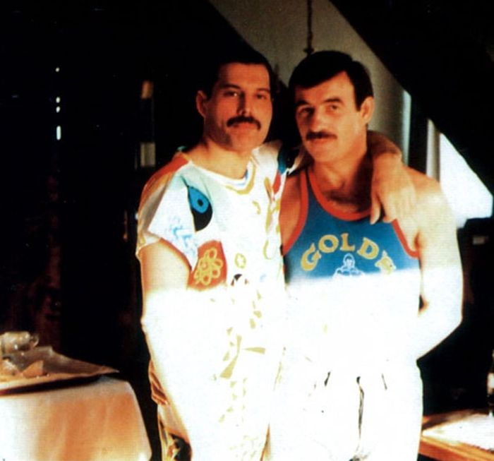 Rare Photos Of Freddie Mercury And His Boyfriend From The 1980s (24 pics)