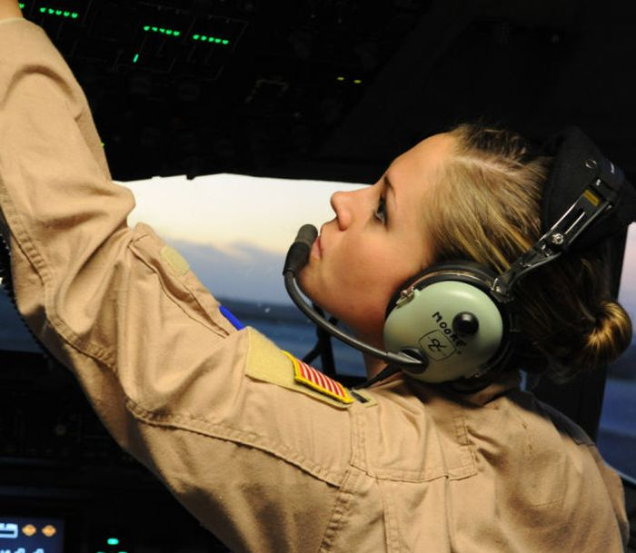 Beautiful Military Girls In Honor Of Memorial Day (35 pics)