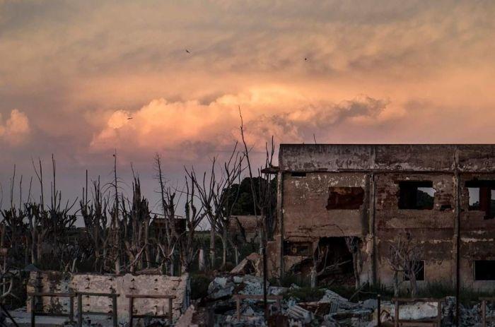 Villa Epecuen Is In Shambles (18 pics)