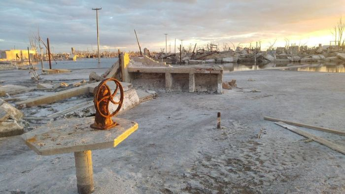 Villa Epecuen Is In Shambles (18 pics)