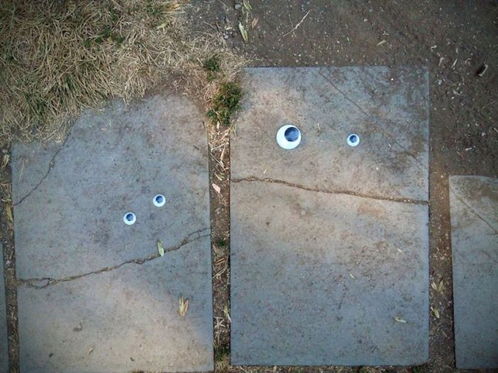 Someone In Bulgaria Put Googly Eyes On Broken Objects And It's Awesome (25 pics)