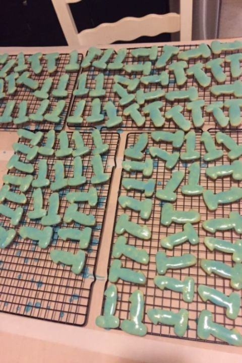 This Mom's Cookies Are Accidentally Offensive (4 pics)