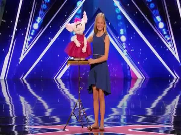 Darci Lynne 12-Year-Old Singing Ventriloquist Gets Golden Buzzer