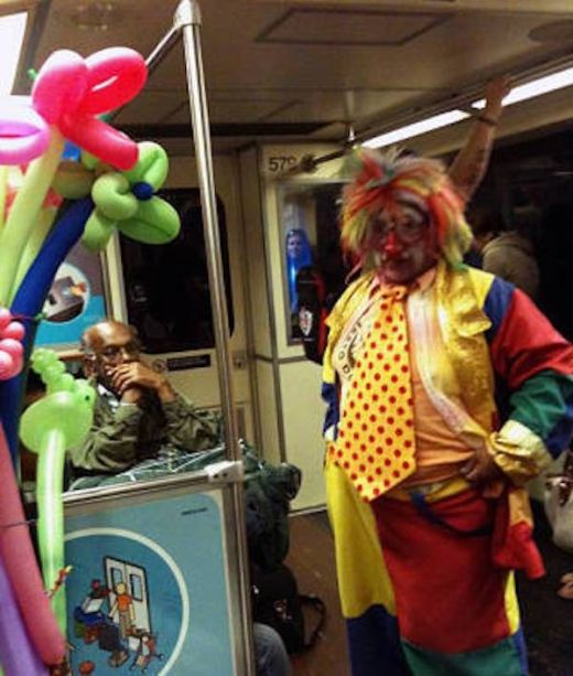 Weird Sights And Scenes From Public Transit (21 pics)