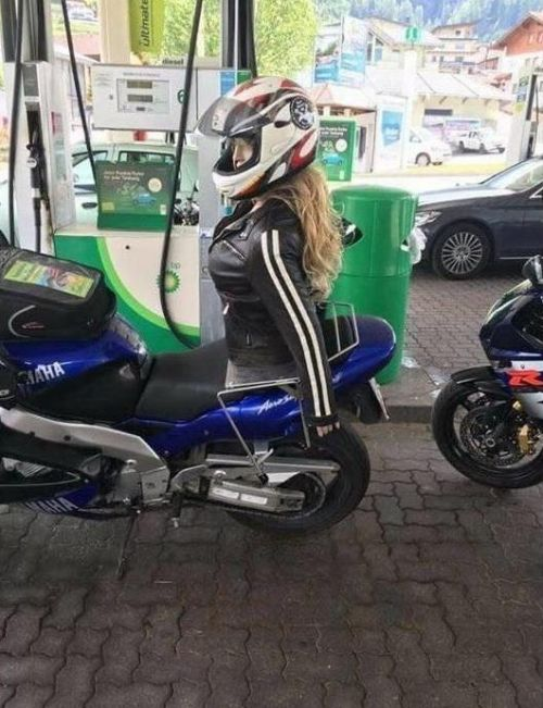 Biker Copes With The Sadness Of Being Forever Alone (2 pics)
