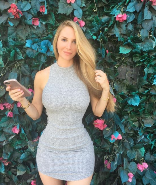 Instagram Star Amanda Lee Is Making A Lot Of Money (20 pics)