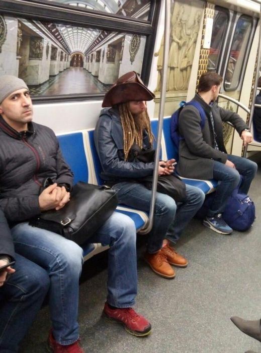 Fashion Gets Really Weird On The Russian Metro (29 pics)