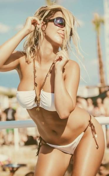 Croatia's Beaches Are Filled With Beautiful Women (40 pics)