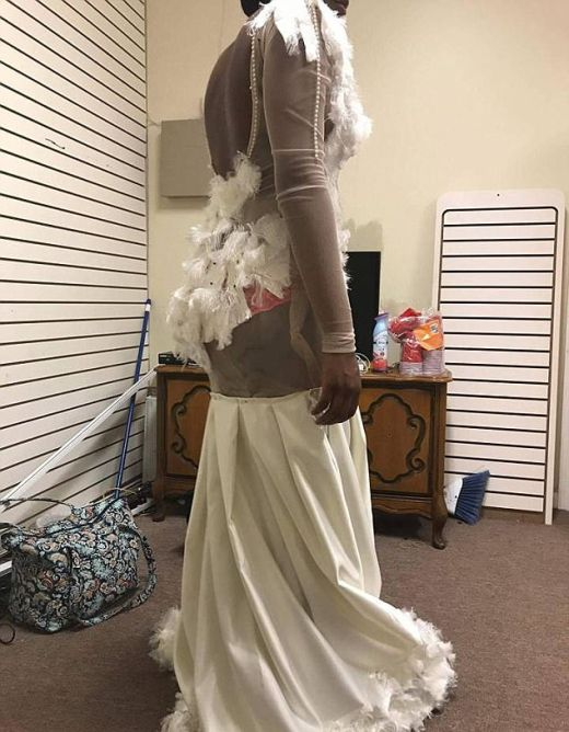 Furious Mom Slams Creators Of Prom Dress (3 pics)