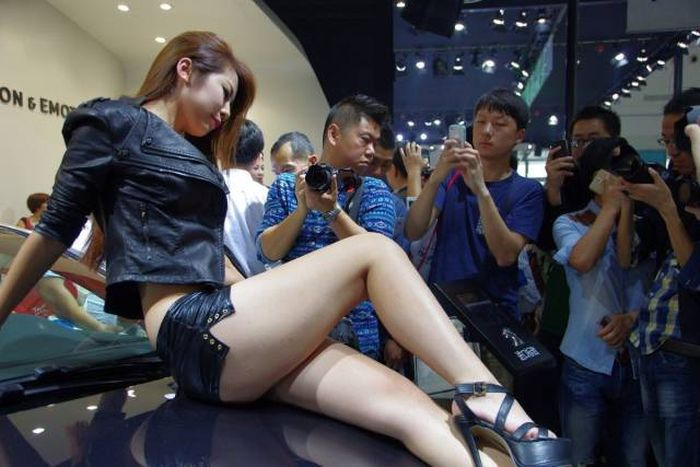 The Real Reason Why Guys Go To Car Shows (27 pics)
