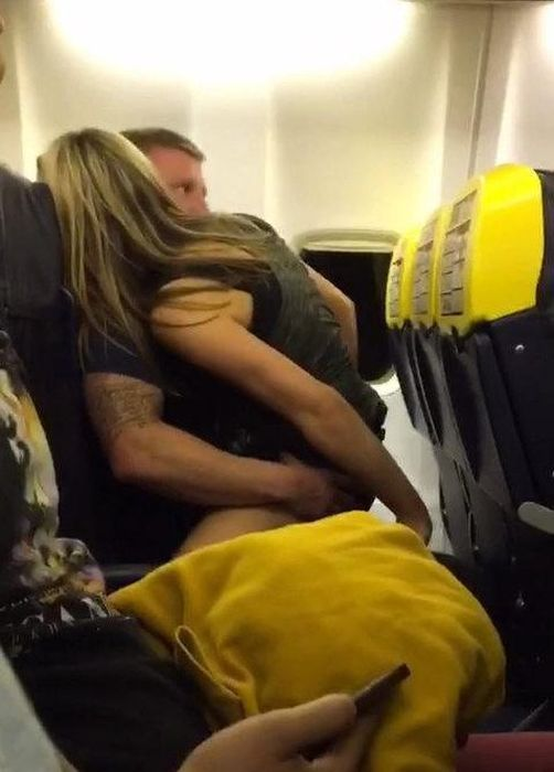 Airplane Passenger Gets Busted Cheating On His Pregnant Fiancee (5 pics)