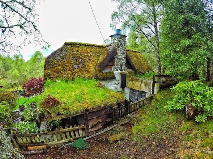 Lord Of The Rings Fan Builds His Own Amazing Hobbit House (18 pics)