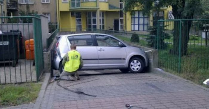 Some Girls Are Dangerous Behind The Wheel Of A Car (47 pics)