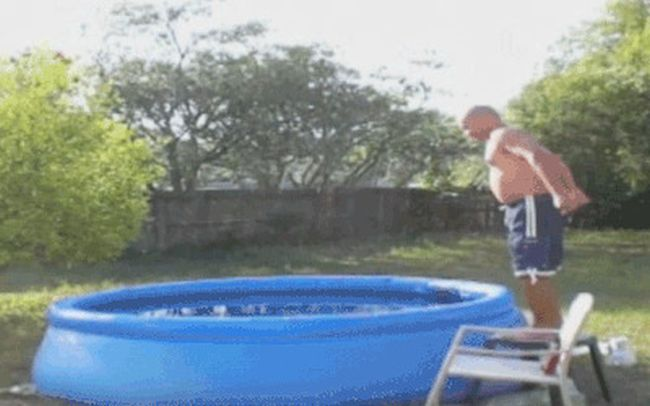Water Pool Fails Are Absolutely Hilarious (18 gifs)