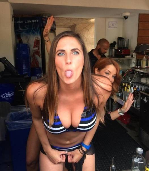 Goofy Girls Are A Special Kind Of Sexy (65 pics)