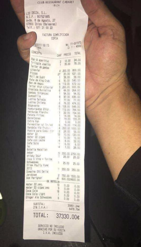 Restaurant Claims Lionel Messi Racked Up A Big Bill In Ibiza (2 pics)