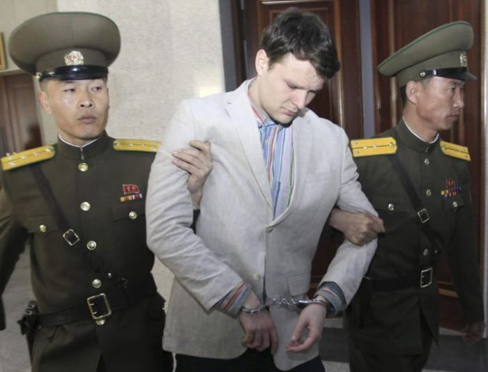 American Student Released From North Korea Passes Away (2 pics)