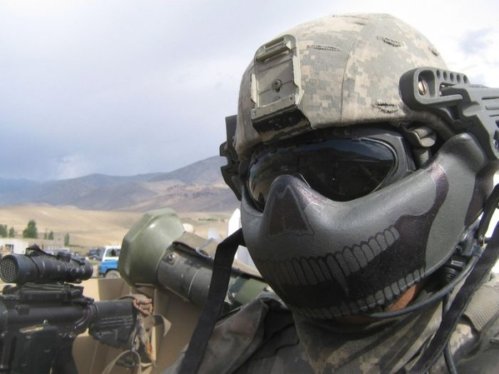 The Many Looks Of The Modern Military (19 pics)