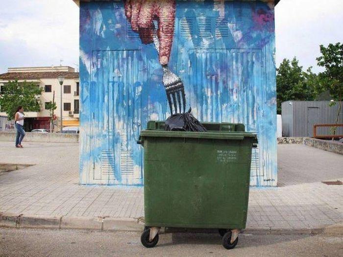 Кому и мусор еда