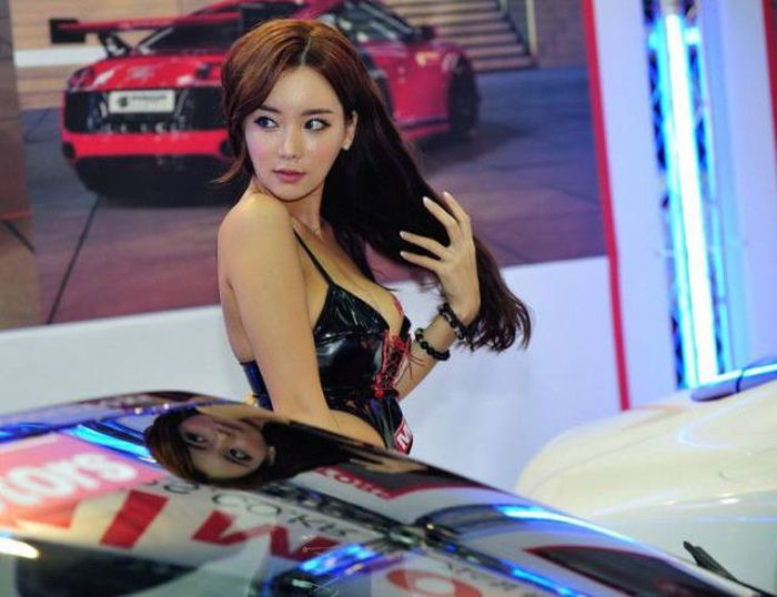 Sexy Asian Girls That Will Drive You Wild (33 pics)