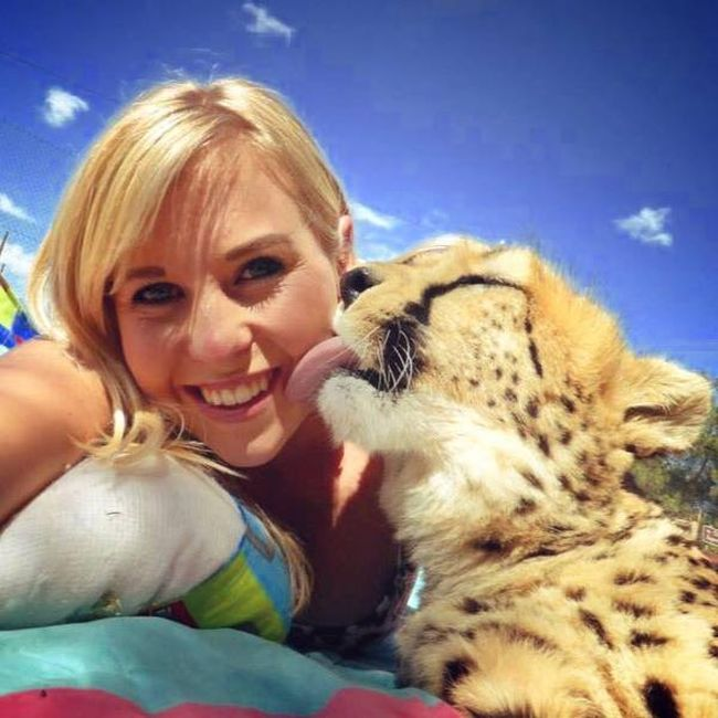 Woman Saves Cheetah Kitten From Trophy Hunters (8 pics)