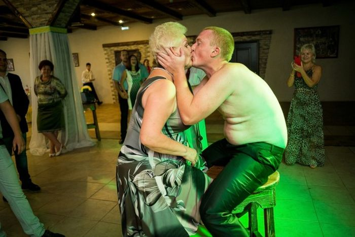Russian Weddings Are Funny (21 pics)