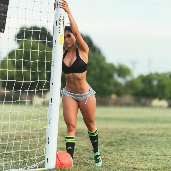 Athletic Women With Smoking Hot Bodies (31 pics)