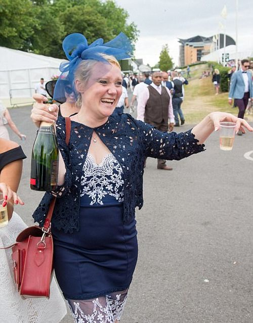 Fallers And Brawlers Party At Ladies Day (22 pics)
