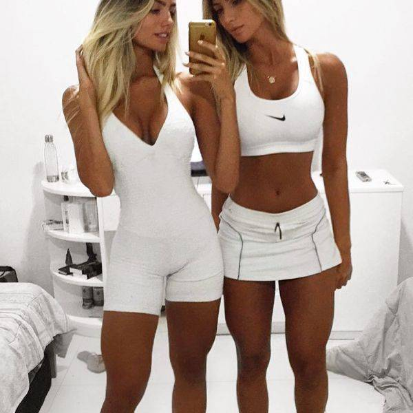 These Brazilian Twins Are Exactly What Your Instagram Needs (34 pics)