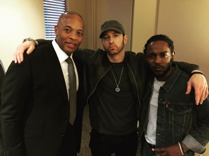 Eminem Shocks Fans With His New Look (2 pics)