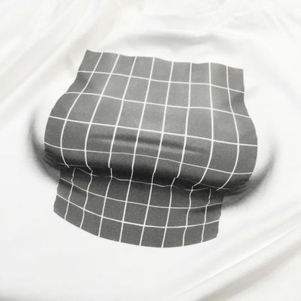 Optical Illusion T-Shirt Creates Chest From Nothing (5 pics)