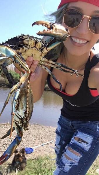 Fishing Is Really Hot Nowadays (35 pics)