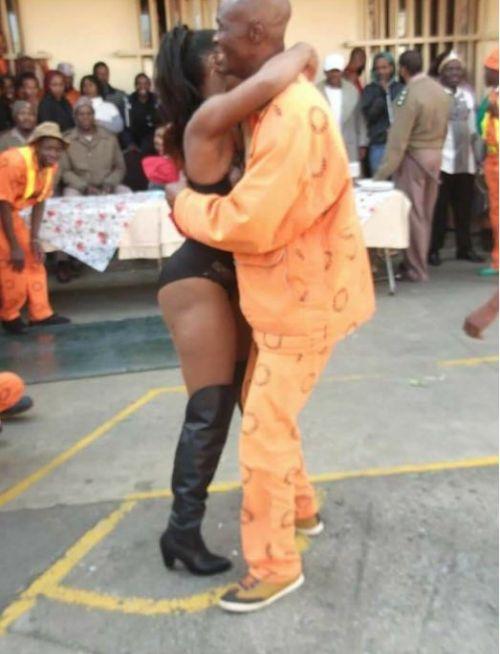 Sun City Prison Inmates Enjoy A Strip Show (2 pics)