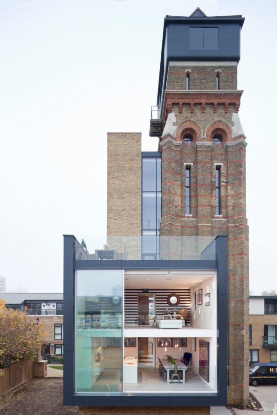 Old London Water Tower Gets Transformed Into A Modern Home (11 pics)