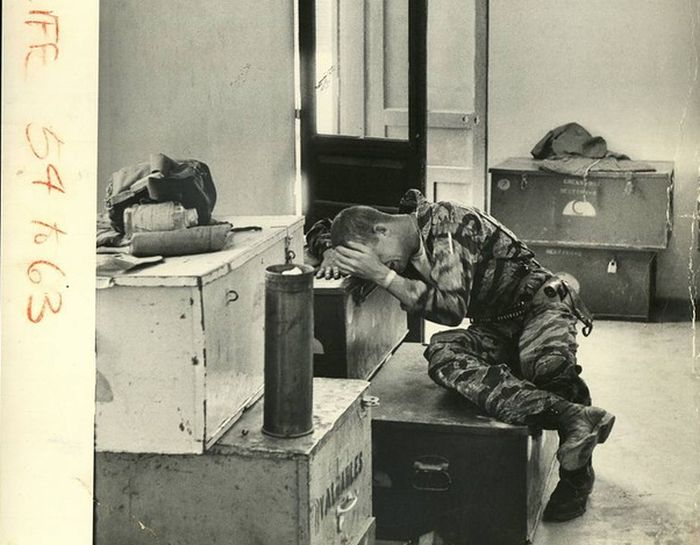 A Day In The Life Of A Soldier During War Time (15 pics)